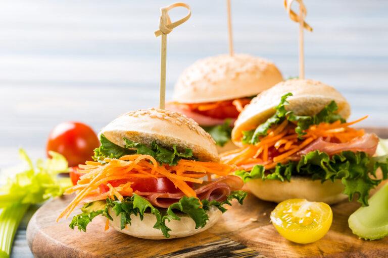 mini-burgers-geusi-xetrelanei